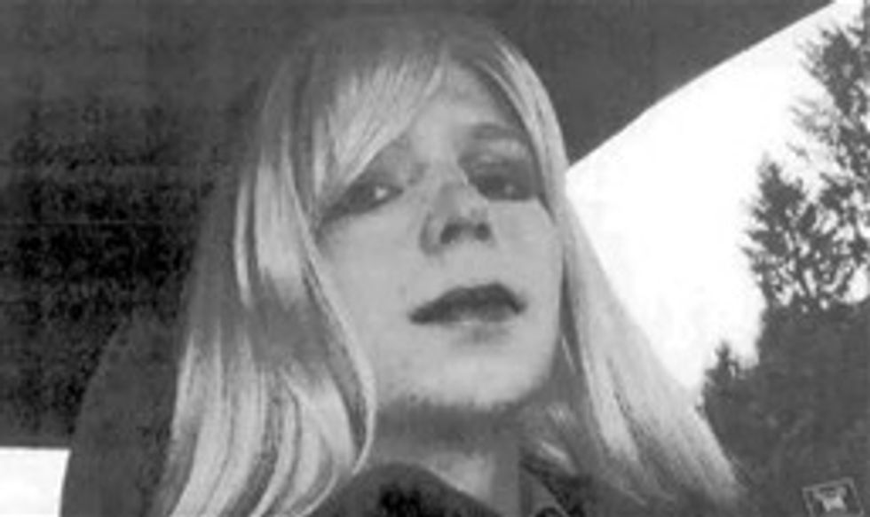 Army approves hormone treatment for Chelsea Manning