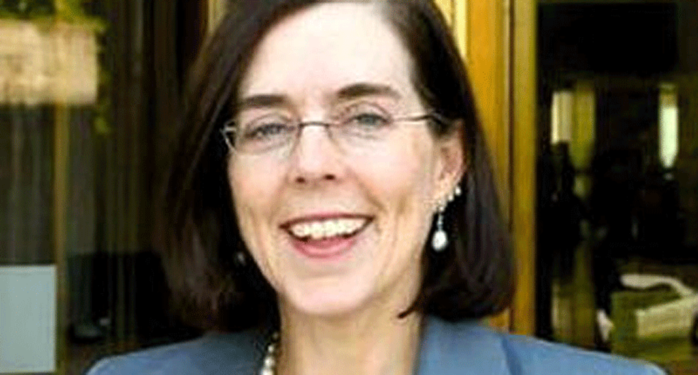 After Oregon Republicans scurry off to avoid voting on climate bill, Governor Kate Brown sends state police to bring them back