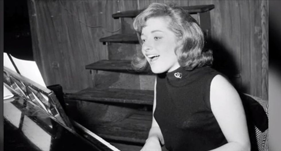 Singer, songwriter Lesley Gore of 'It's My Party' fame dies at 68