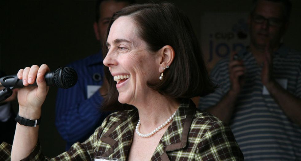 Kate Brown sworn in to replace embattled Oregon governor