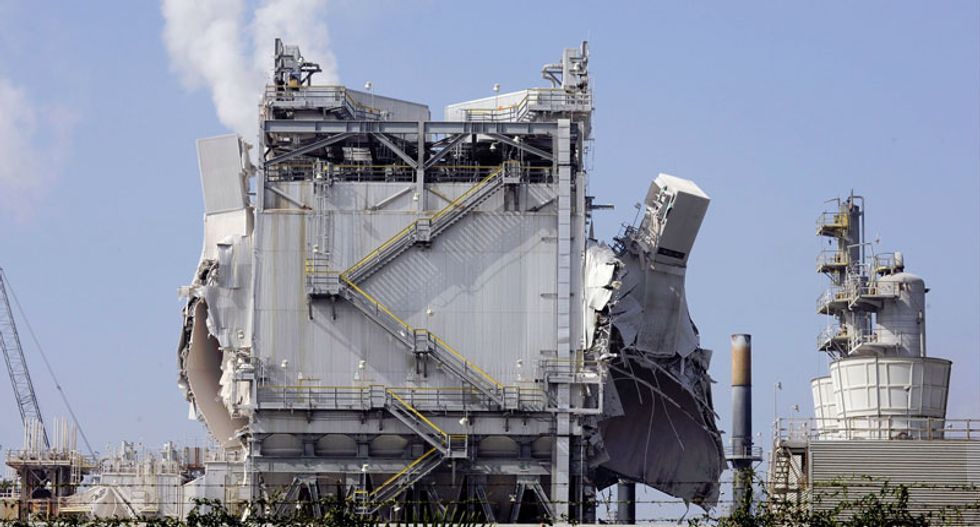 Explosion at Exxon refinery near Los Angeles injures three workers