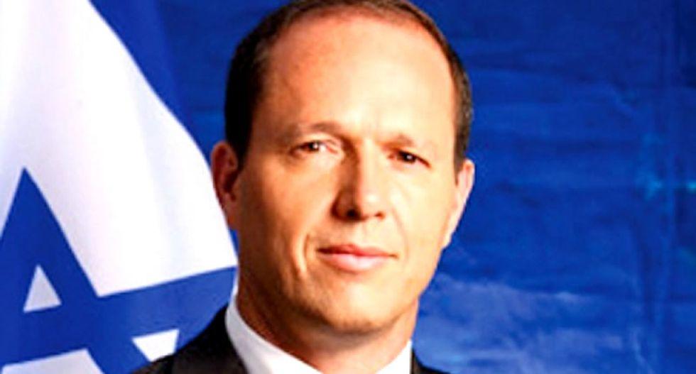 Mayor of Jerusalem apprehends knife-wielding Palestinian who stabbed ultra-Orthodox Jew
