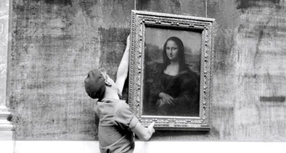 Archaeologists find bone fragments in hunt for 'real' Mona Lisa