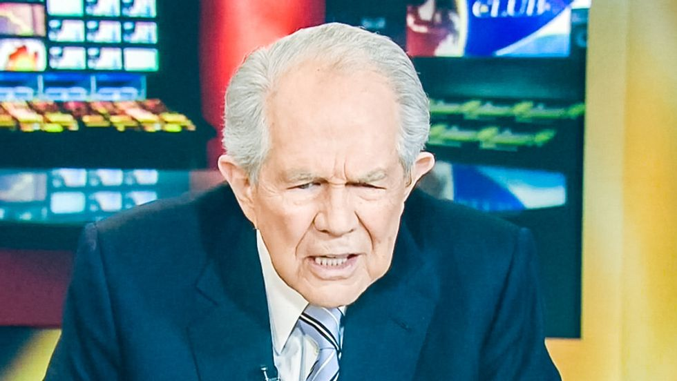 Pat Robertson: Women fuel sex trafficking by fantasizing about 'boiling oil' in '50 Shades'