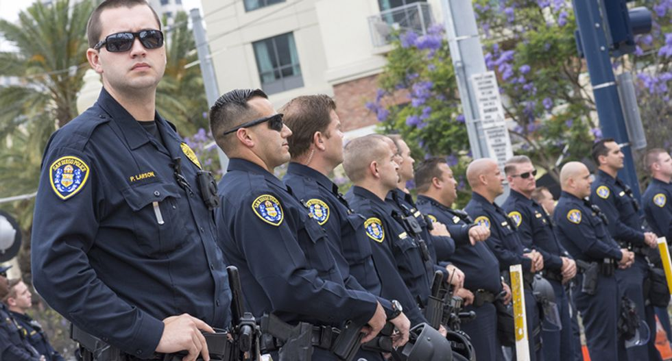 San Diego cops got $50K to prep for protests of the prototypes for Trump's wall -- they bought pizza instead