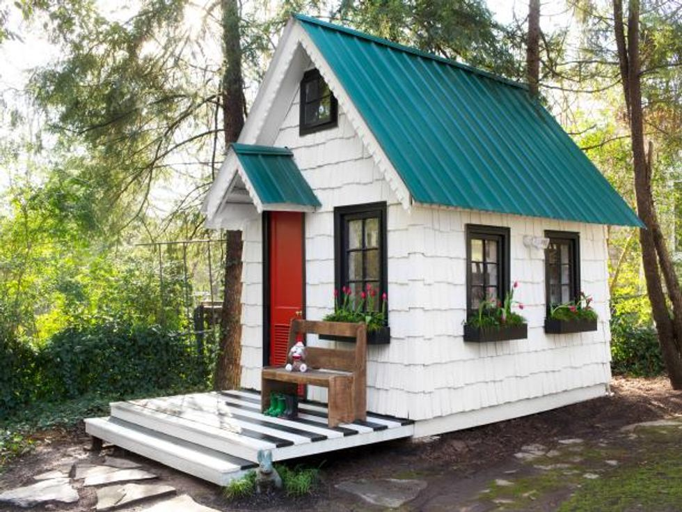 Tiny houses entice budget-conscious Americans