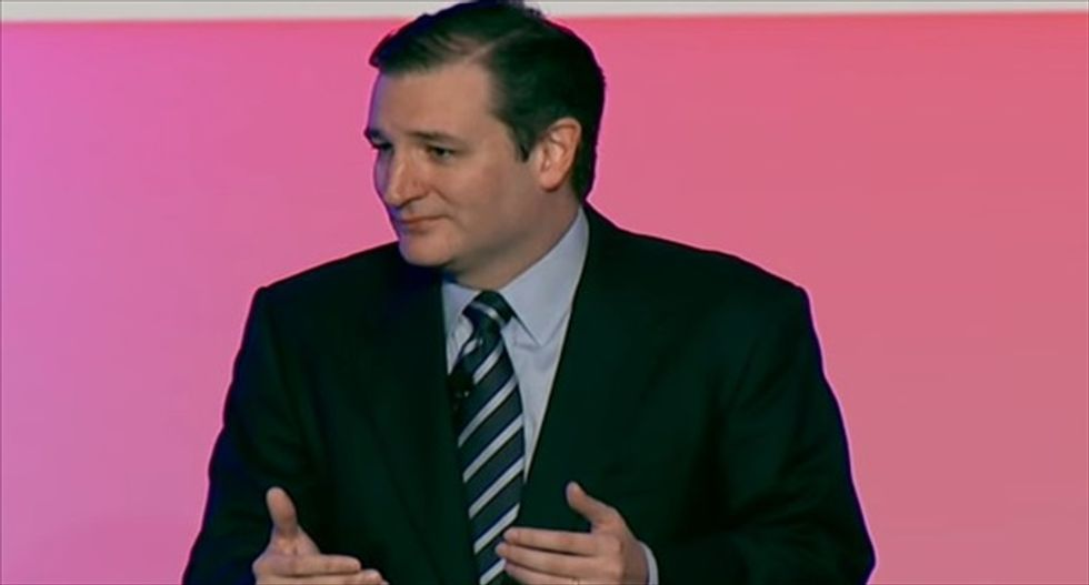 Watch Ted Cruz's super-awkward straining for applause from a firefighters' union