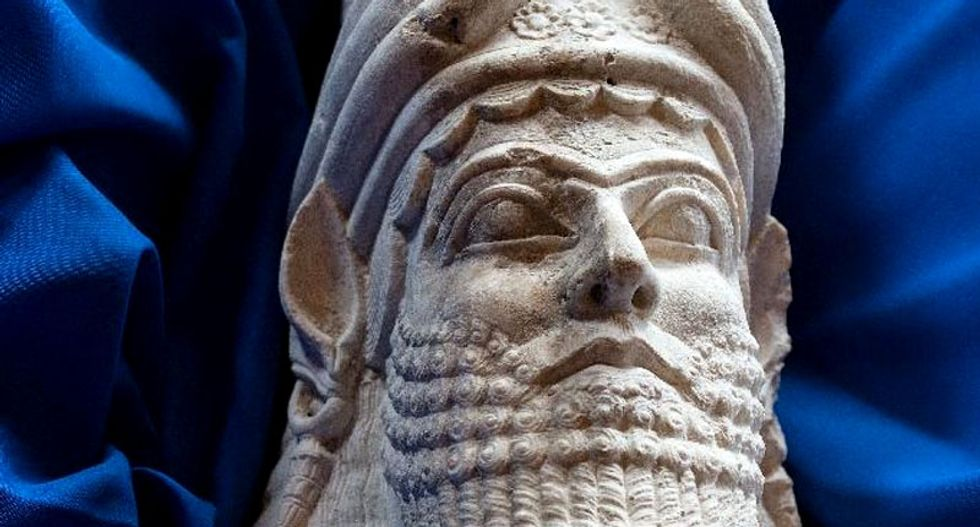 US sends ancient relics back to Iraq despite 'cultural cleansing' threat from Islamic State