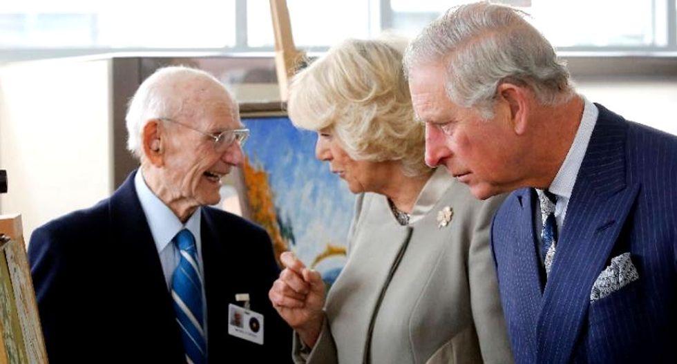 Obama jokes British royals more popular than US politicians