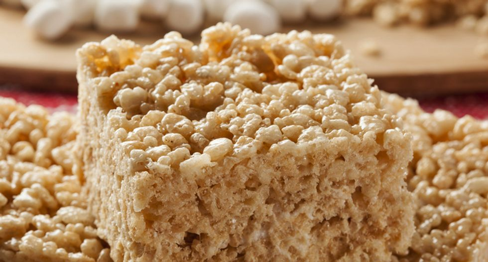 University of Wisconsin students create 5-1/2 ton Rice Krispie treat to raise money for charities