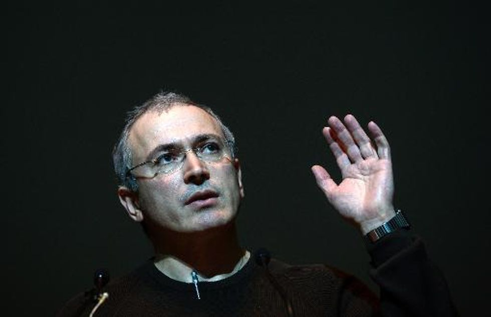Freed Putin critic Khodorkovsky granted asylum in Switzerland