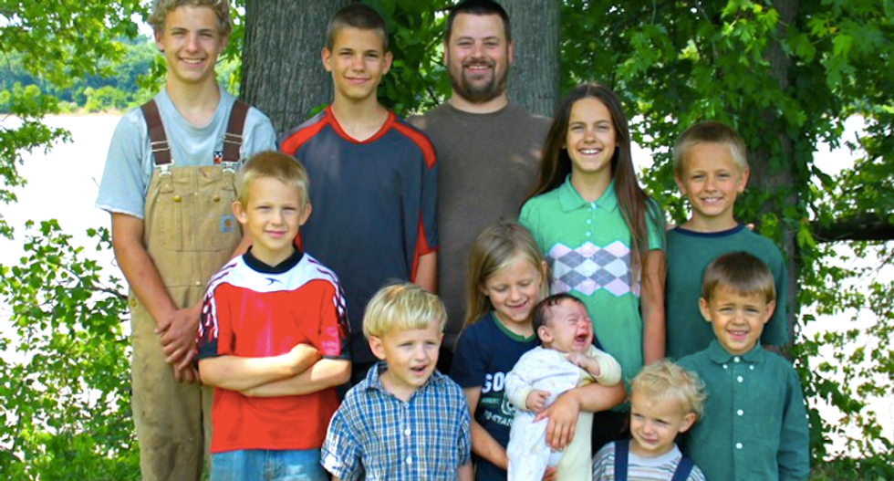 'Free range' parenting or abuse? Complaint reveals why 10 kids seized from off-the-grid Kentucky family
