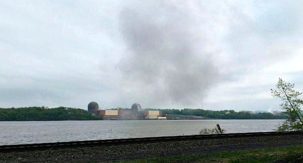 Oil leaks into Hudson River after fire at nuclear reactor near NYC