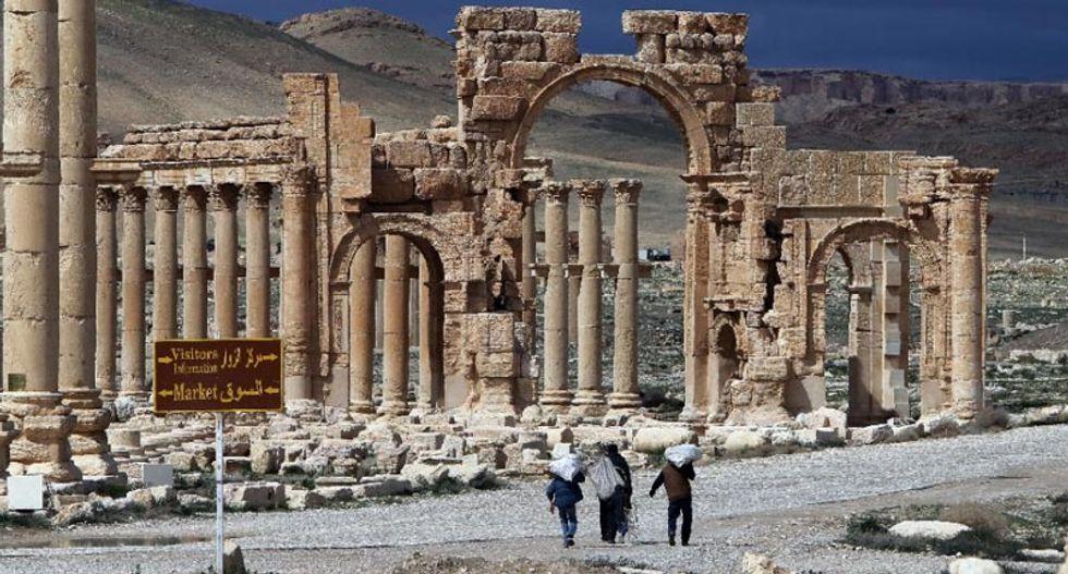 Fears of an 'international catastrophe' as Islamic State jihadists advance on ancient city of Palmyra