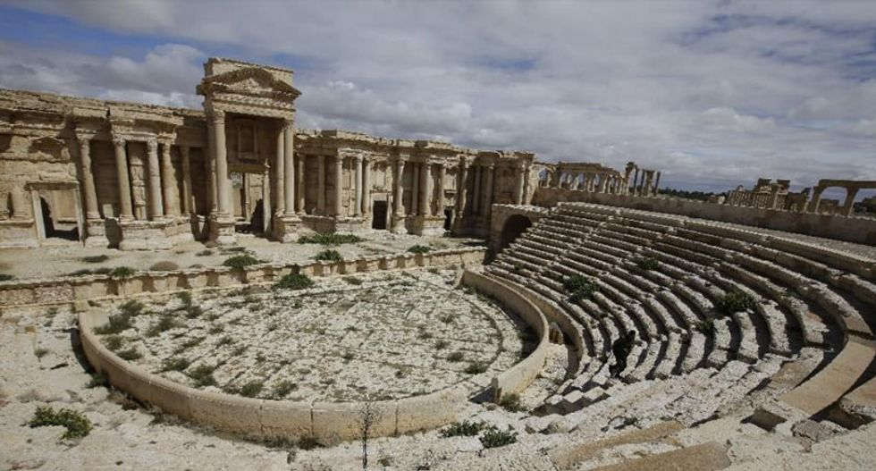 Syria's Palmyra in peril as Islamic State seizes ancient city