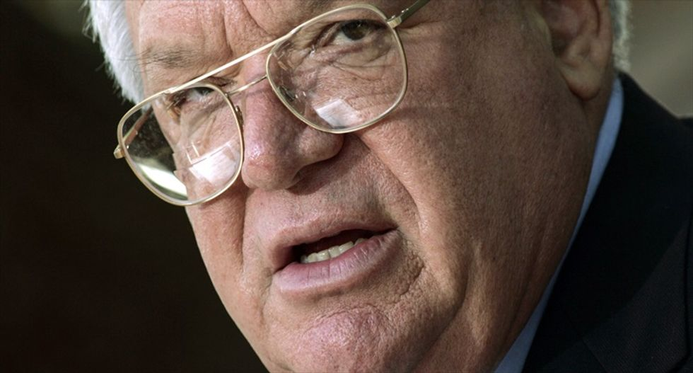 Ex-House Speaker Dennis Hastert indicted for lying to the feds about cash withdrawals