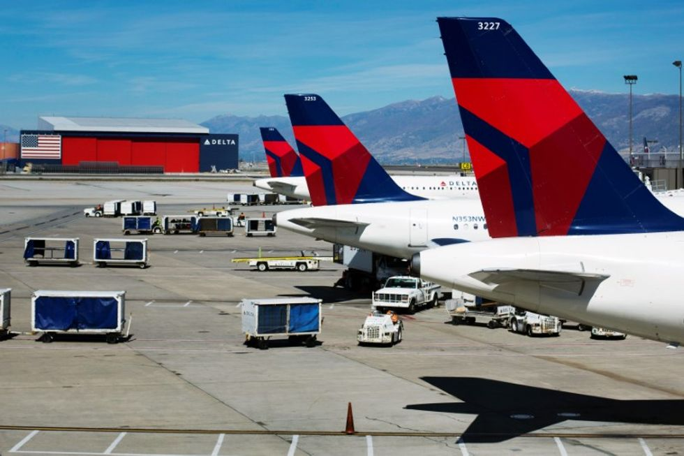 Delta to cancel about 800 flights due to Irma