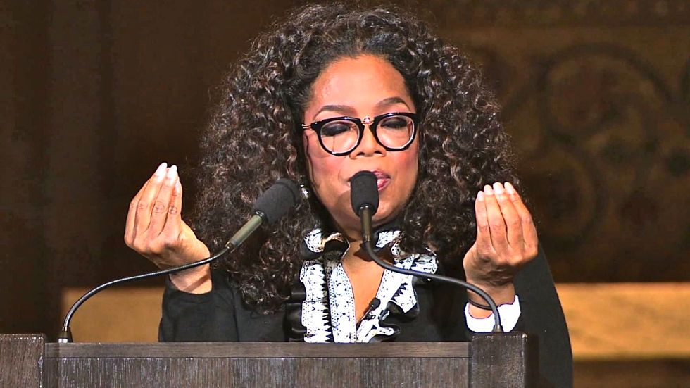 Bonkers pro-Trump super PAC says Oprah is leading a 'coordinated effort' to 'destroy Donald Trump'