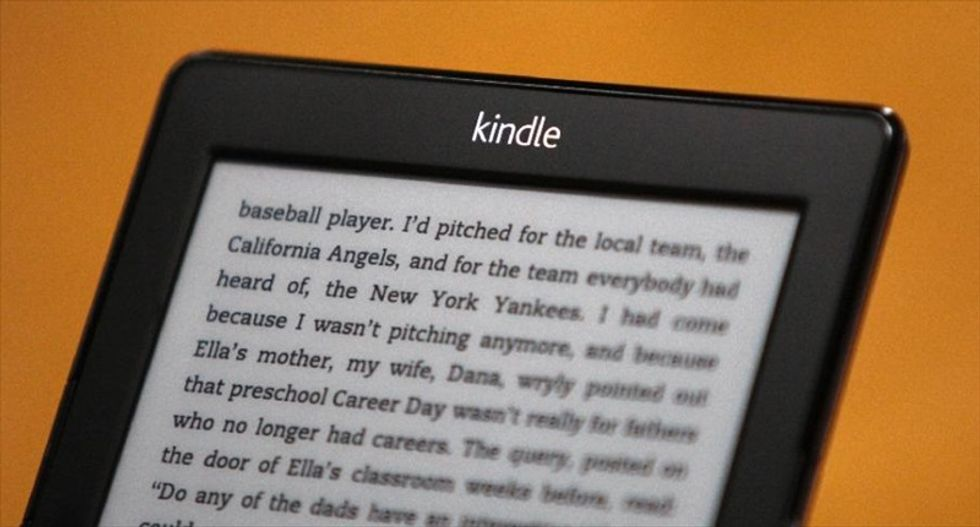 Amazon announces plan to pay e-book authors by how many pages customers read