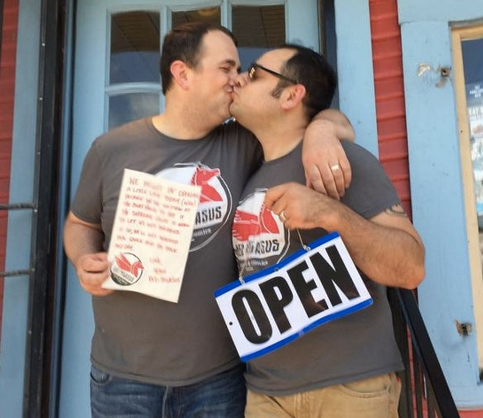 Love wins in Texas: Adorable comic store owners shut down the shop and finally get married