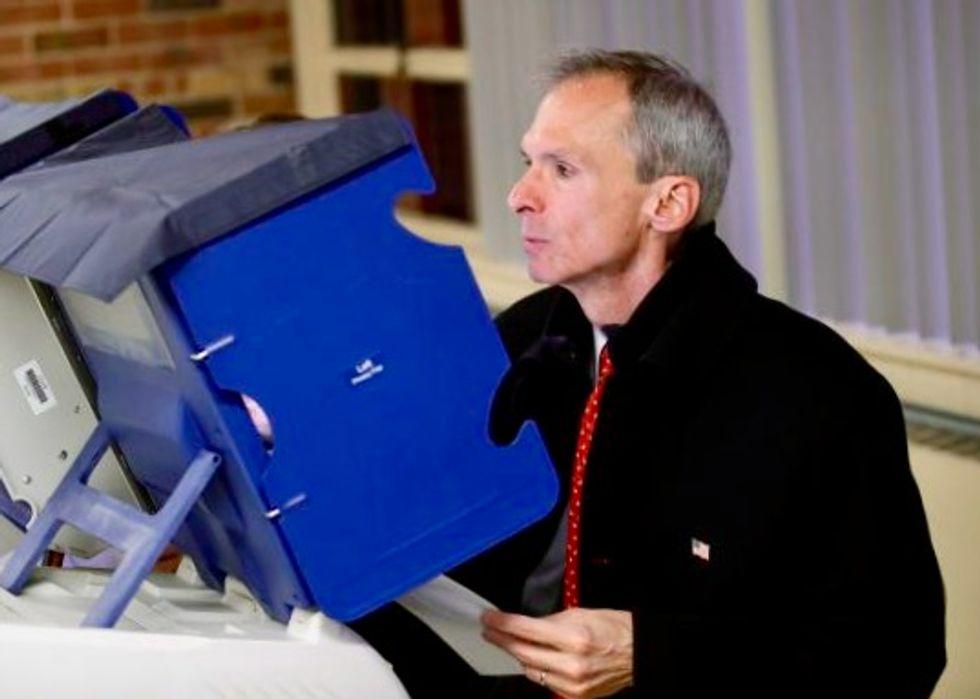 Democratic Rep. Lipinski wins Illinois congressional primary: AP
