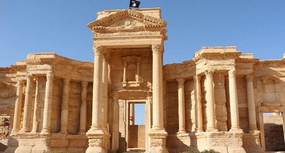 Islamic State jihadists destroy statue outside Syria's Palmyra museum