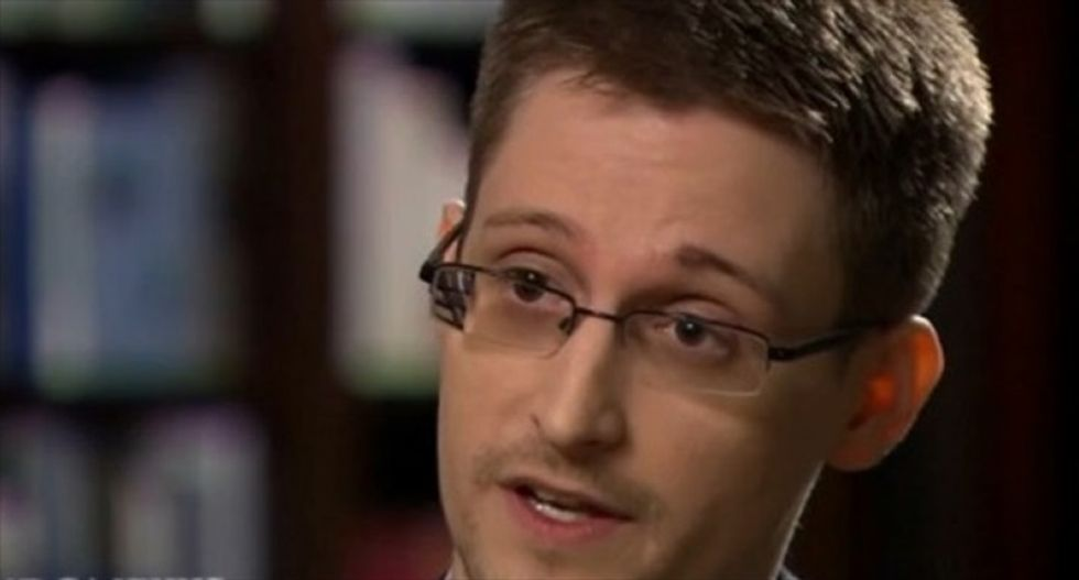 Edward Snowden warns targeting of Greenwald and Assange shows governments 'ready to stop the presses—if they can'