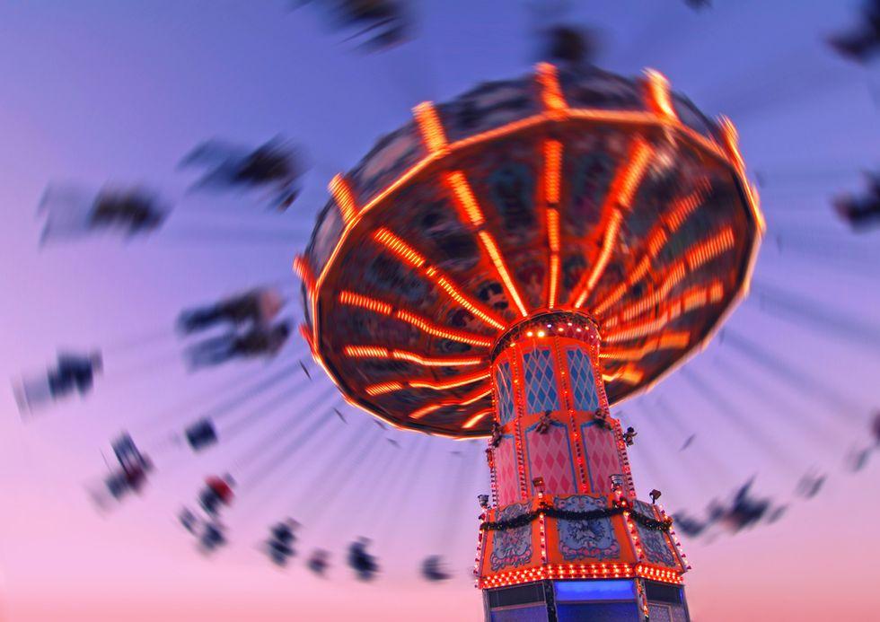 Kentucky amusement park ride tips over, 12 injured: police
