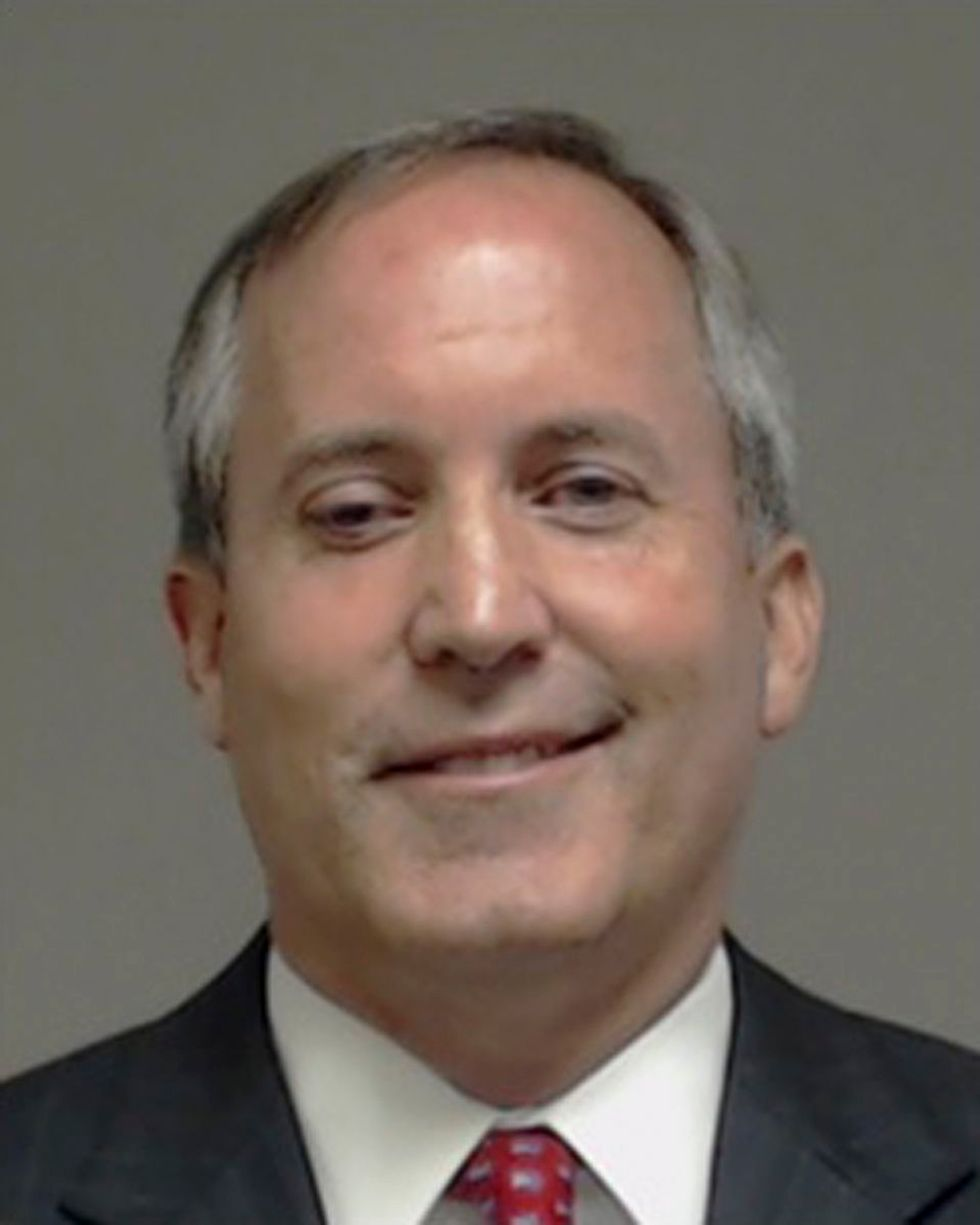 Obama-hating Texas attorney general back in court as legal woes persist