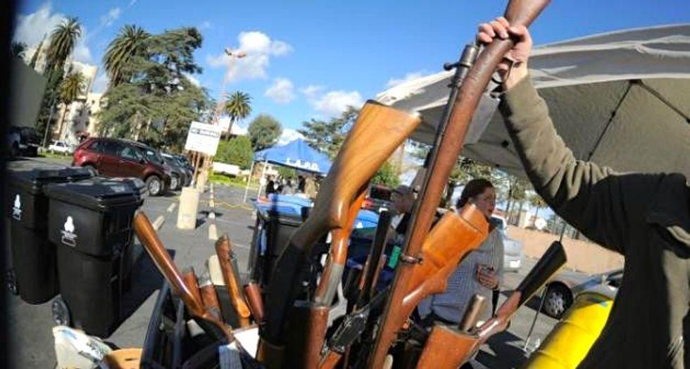 Los Angeles takes a step toward gun control rules