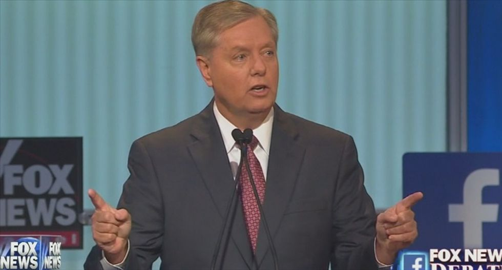 'Hillary, I'll show you flat broke': Lindsey Graham turns unemployment question into weird anti-Clinton rant