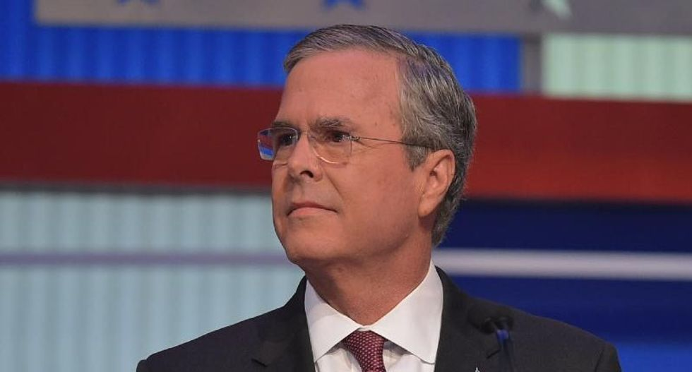 Jeb Bush and Hillary Clinton trade blame over Iraq war