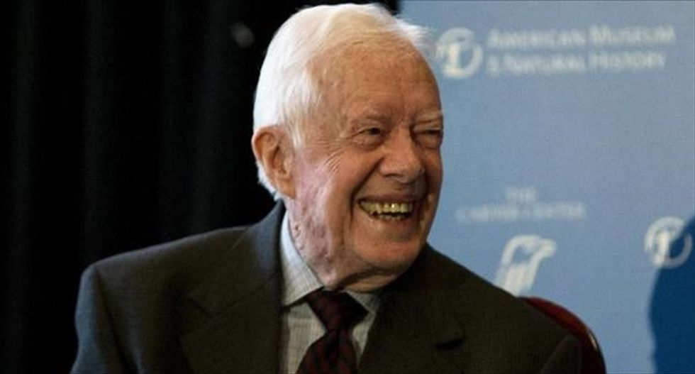 Jimmy Carter announces that he has cancer