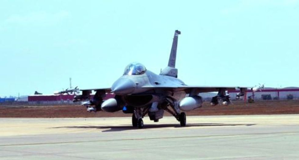 US jets launch first airstrikes against Islamic State targets in Syria