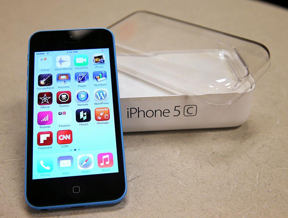 Apple expects to plug security breach after FBI breaks into San Bernardino shooter's iPhone