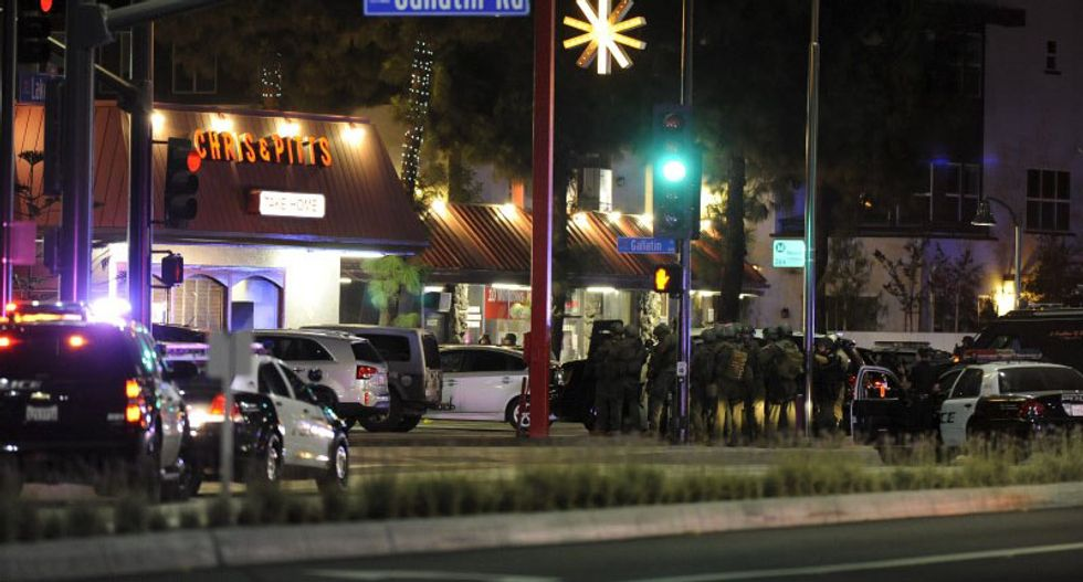 Suspect shot dead as Los Angeles police storm diner and free hostages