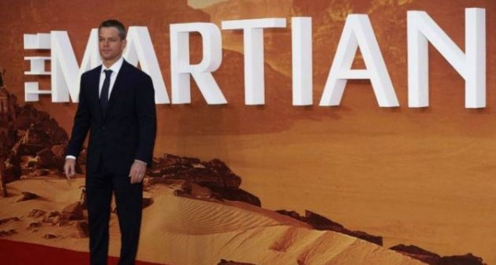 Space experts swoon for 'The Martian' despite inaccuracies