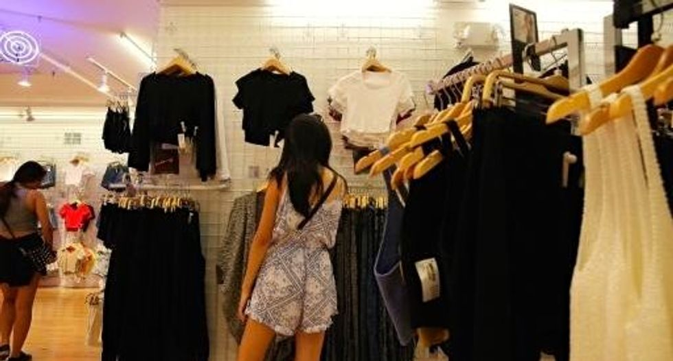US consumer confidence brightens in September
