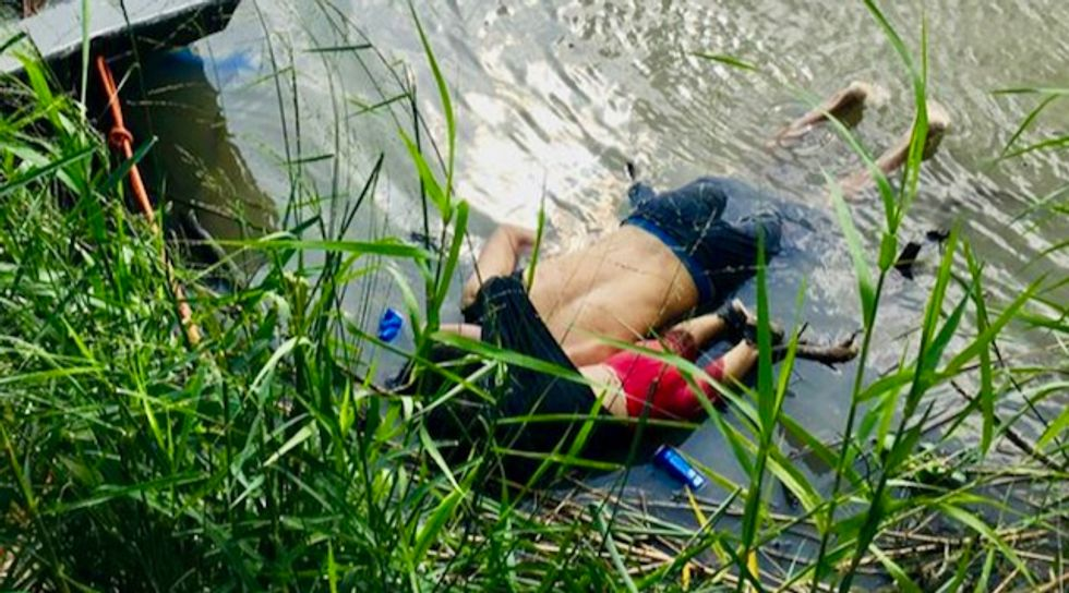 Images of drowned Salvadoran migrant and his 2-year-old daughter stir outrage