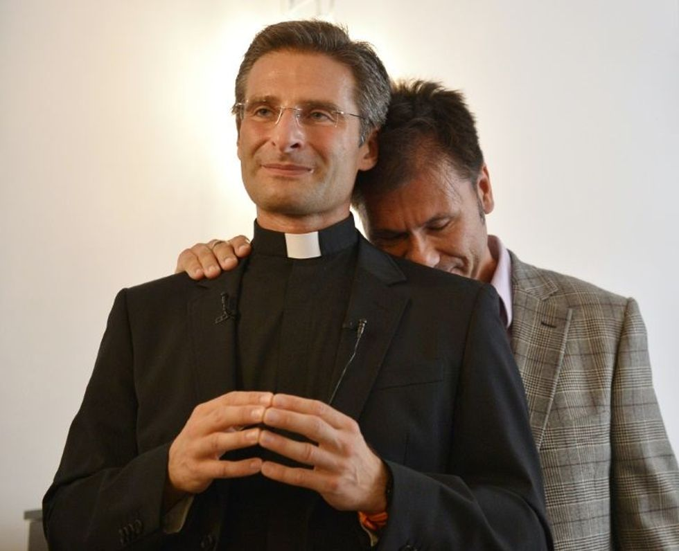 Pope defends hetero marriage after gay priest bombshell
