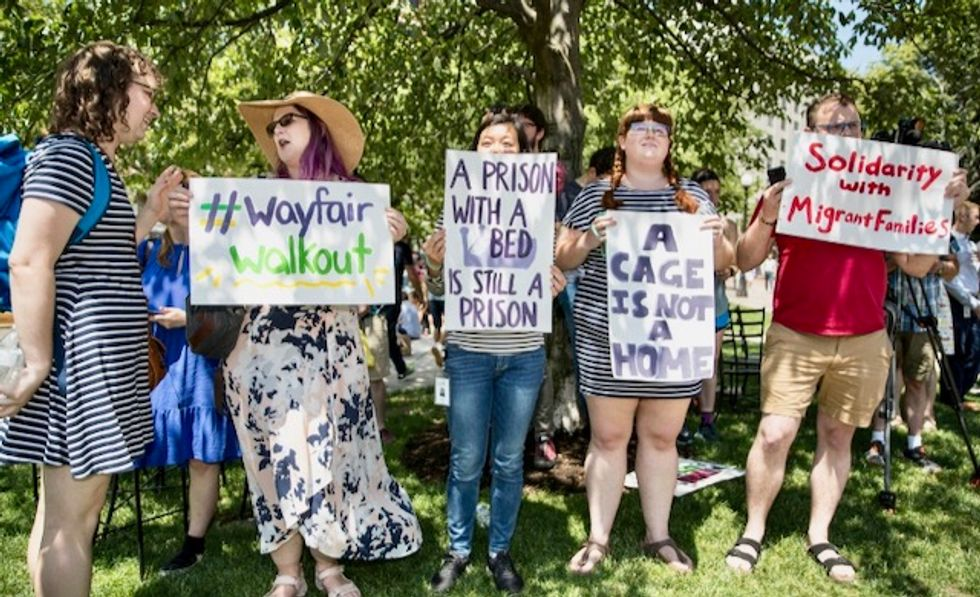 Wayfair staff strike over migrant centers contract