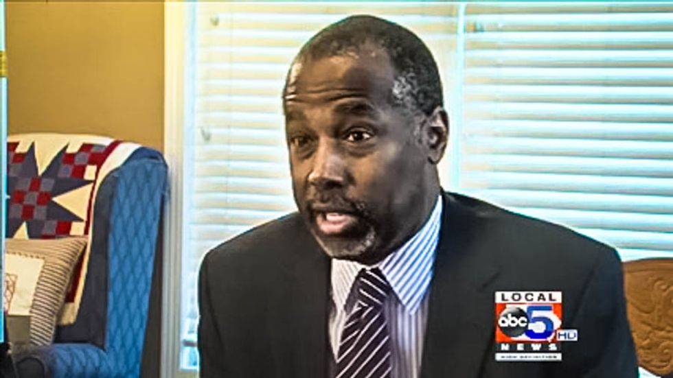 Ben Carson might be lying about stabbing people and getting robbed -- but why?