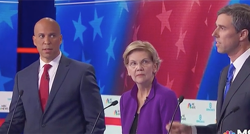 Corey Booker's 'WTF Spanish' face steals the opening of #DemDebate