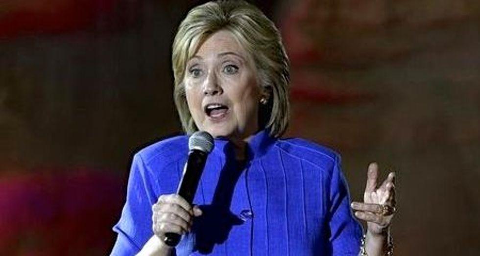 Clinton urges Congress to cap Medicare cost increases