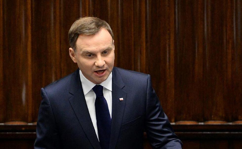 Migrants may bring epidemics, warns conservative Polish president