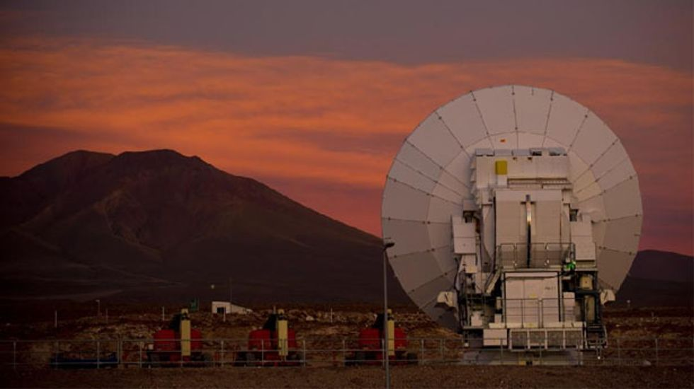 State-of-the-art ALMA telescope in Chile sizes up Pluto's orbit