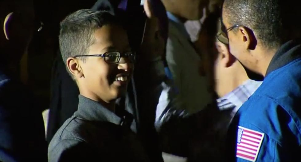 Clock-maker Ahmed Mohamed meets Obama during White House Astronomy Night