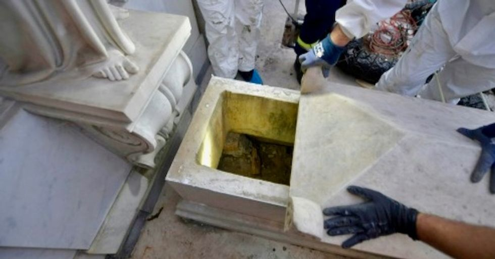 Tombs riddle could see Vatican efforts to find teen backfire: analysts