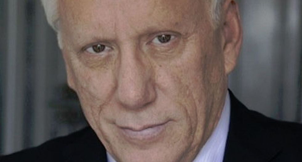 Actress Elizabeth Perkins names James Woods during #MeToo march against sexual harassment