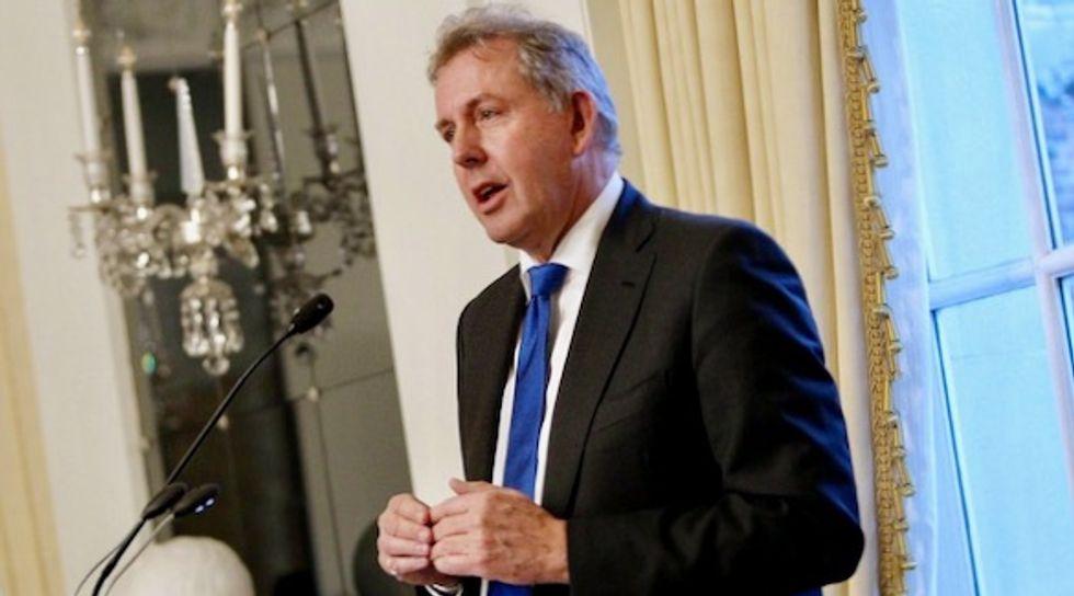 UK Ambassador to Washington Kim Darroch quits over Trump row